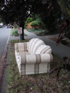 earn extra money hauling trash or junk